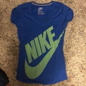 Nike loose fit t shirt